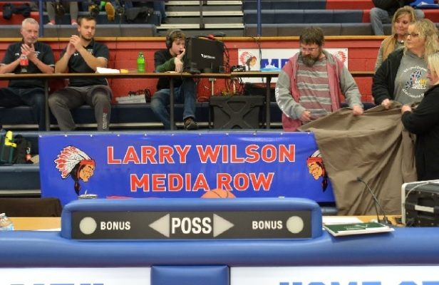 LW press row